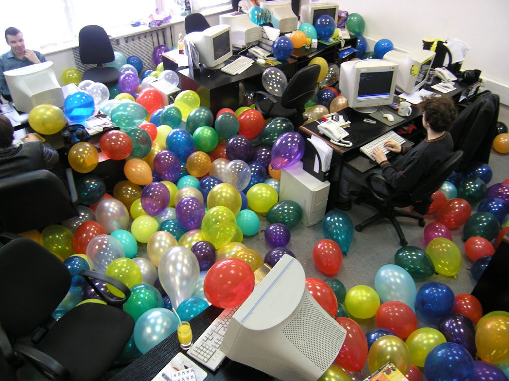 Поздравление с днем рождения коллеге в офисе