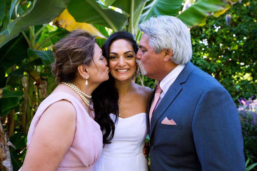 Прикольные поздравления на свадьбу от родителей