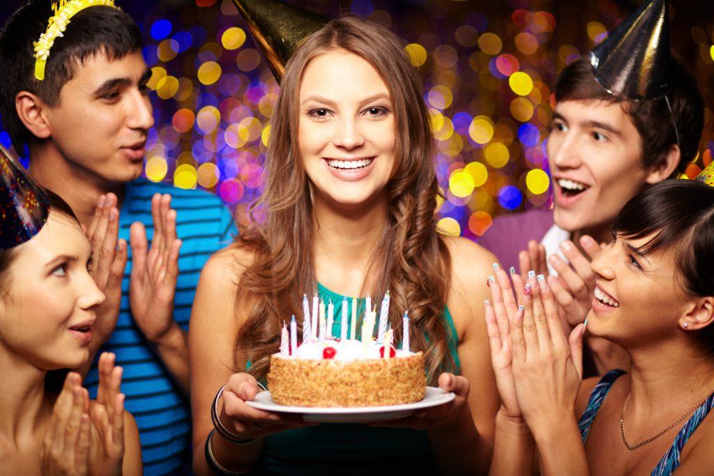 Торт в день рождения коллеге