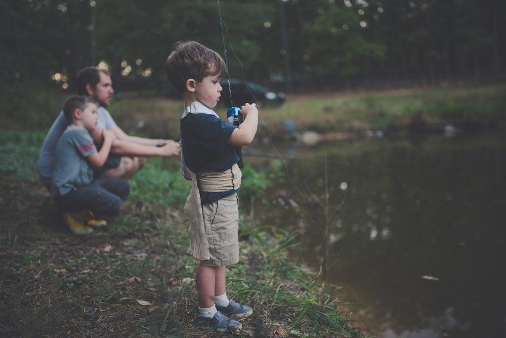 День рождения папы с сыновьями на рыбалке