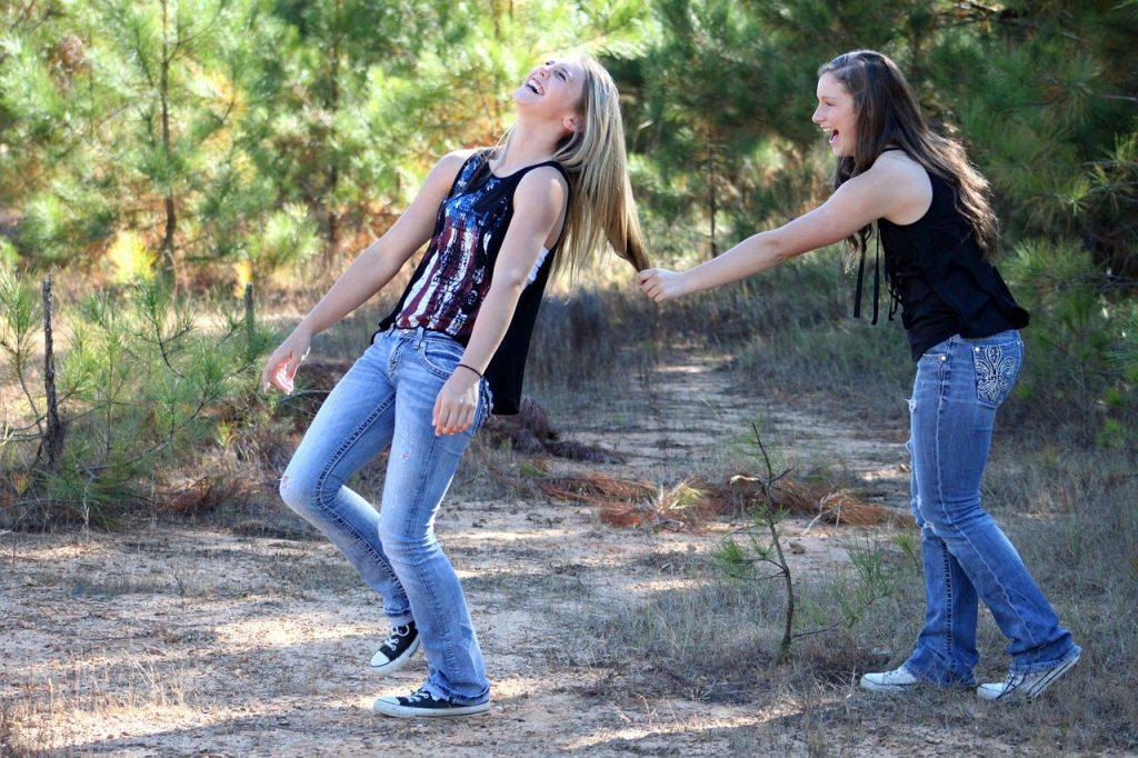 День рождения подруги - веселые подружки
