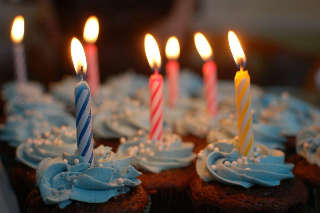 Торт Свечи с Днем рождения