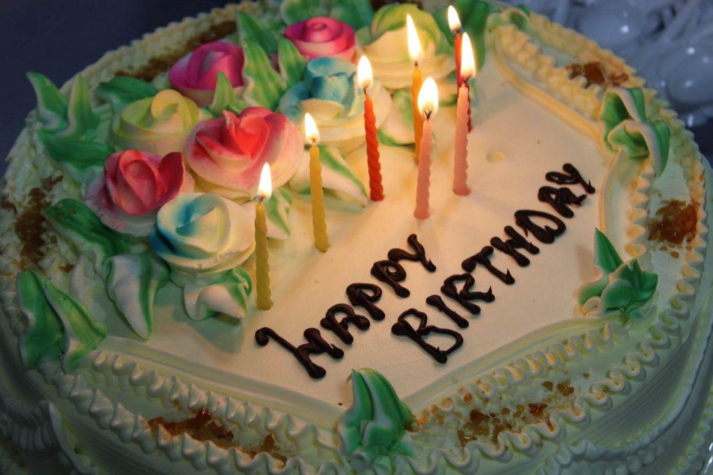 Happy Birthday торт со свечами